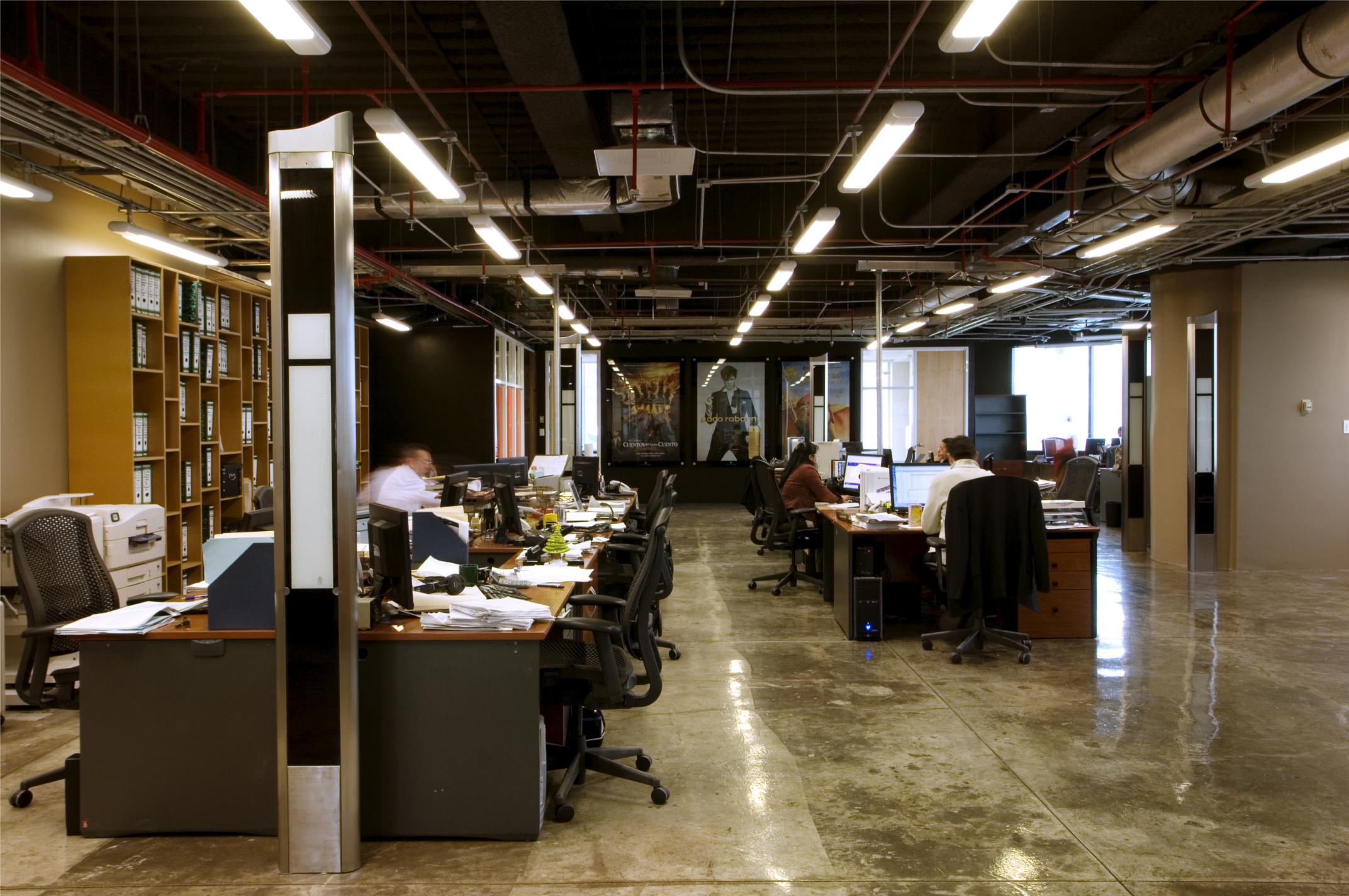Oficinas for Jardines exteriores para oficinas